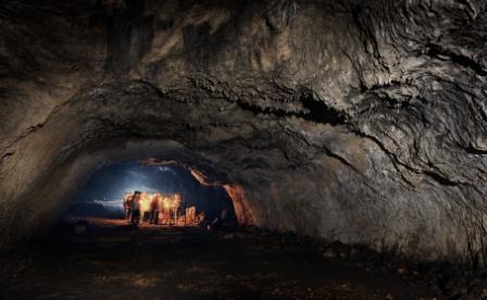 W Jaskini Ciemnej